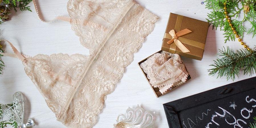 聖夜におすすめ! クリスマスに喜ばれる下着の色&デザイン