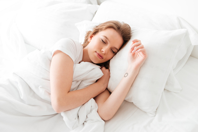 寒い冬はベッドも冷たい……簡単に温める4つの方法