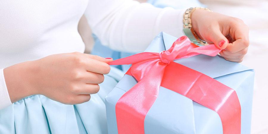 女友達へのプレゼントはルームウェアが最適! 喜ばれる5つの理由